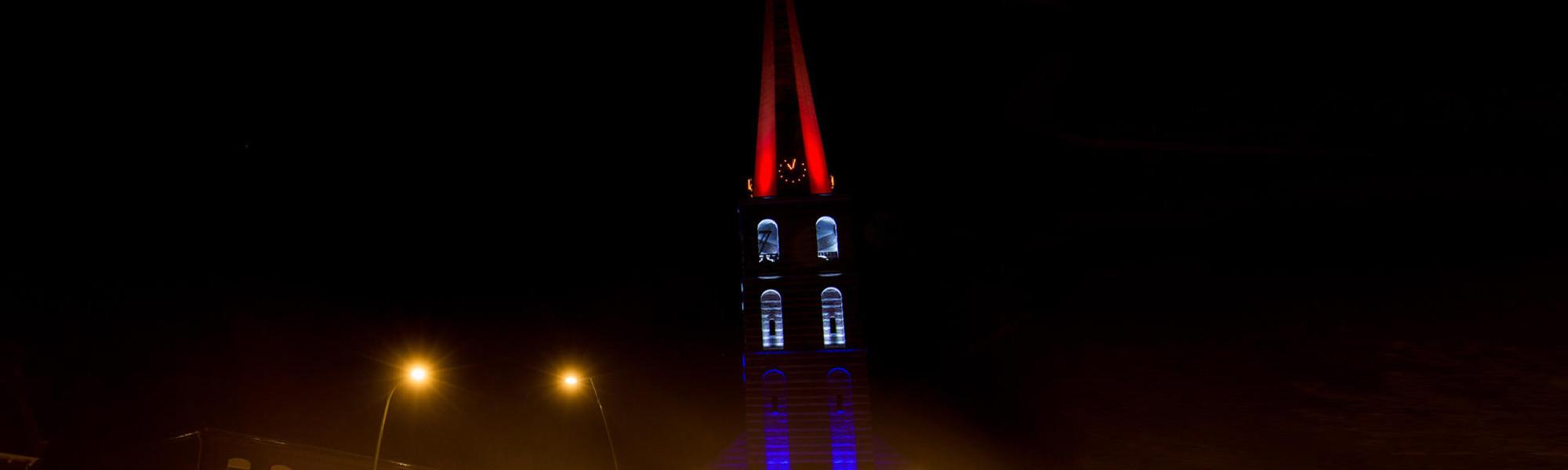 Kerktoren (verlicht)